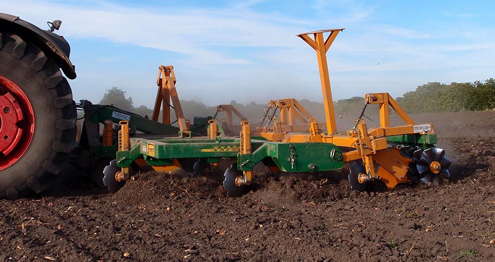Agriculture > Travail du sol : Charrue Express ®