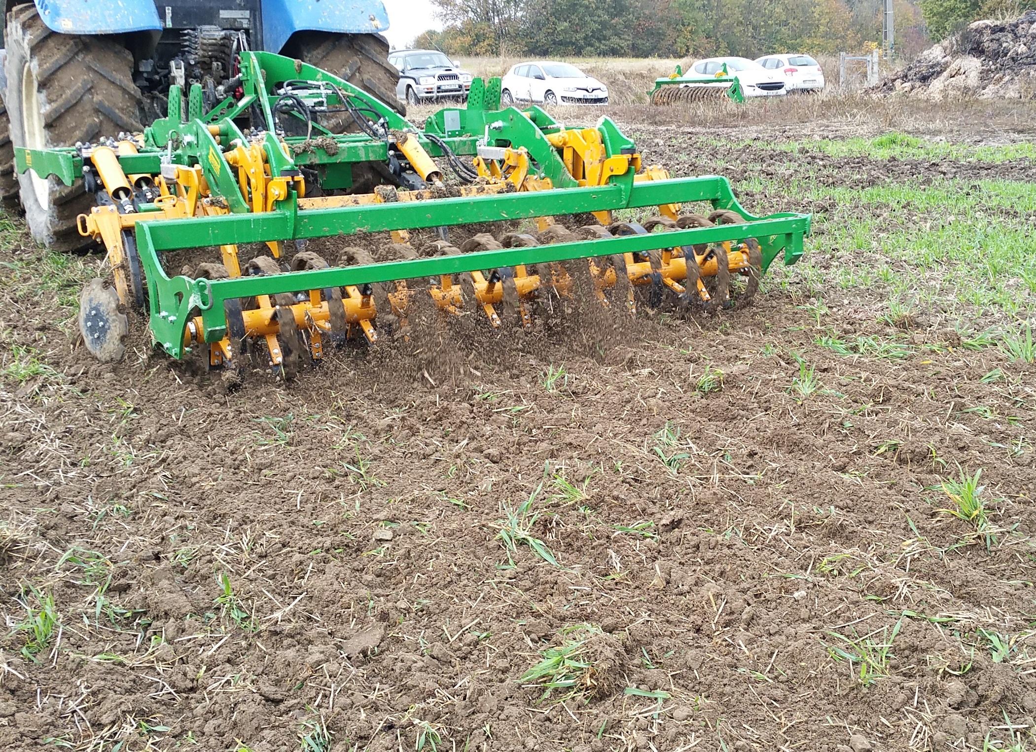Agriculture > Travail du sol : Déchaumeur  à dents Cultipass